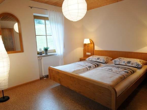Perfekt Ferien Auf Dem Bauernhof Im Schwarzwald, Ferienwohnung Für 4 Personen In  Simonswald   Schlafzimmer